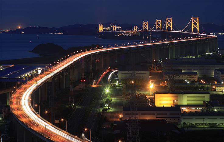 聖通寺山展望台から望む瀬戸大橋の夜景